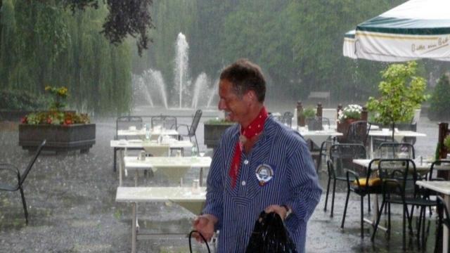 2011: Verregnet: Das Kurkonzert muss abgebrochen werden (Foto: Imke Weiler)