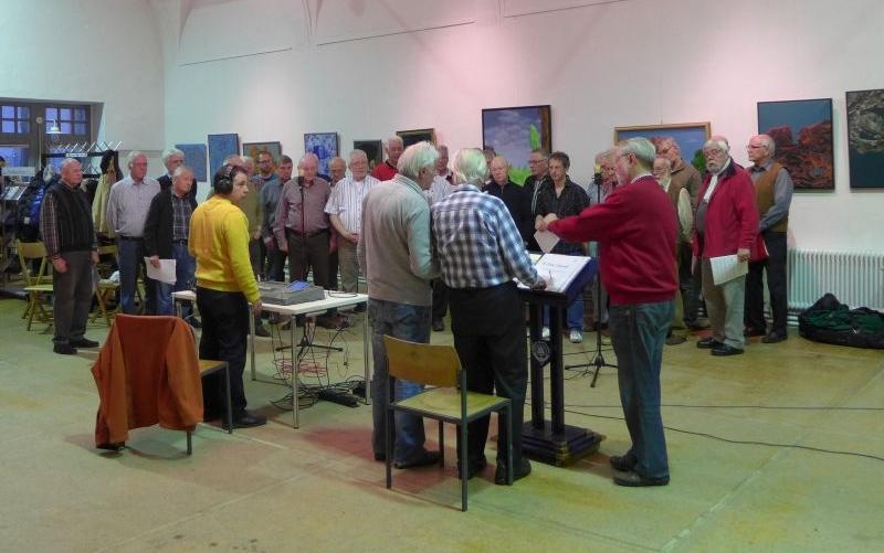 Arbeitsatmosphäre bei der CD-Aufnahme (2014, Foto: Manfred Weiler)
