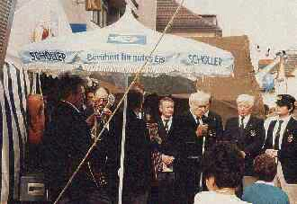 1987: Ein historisches Foto: Erster Auftritt des frisch gegründeten BONNER SHANTY-CHORES (Archivfoto)