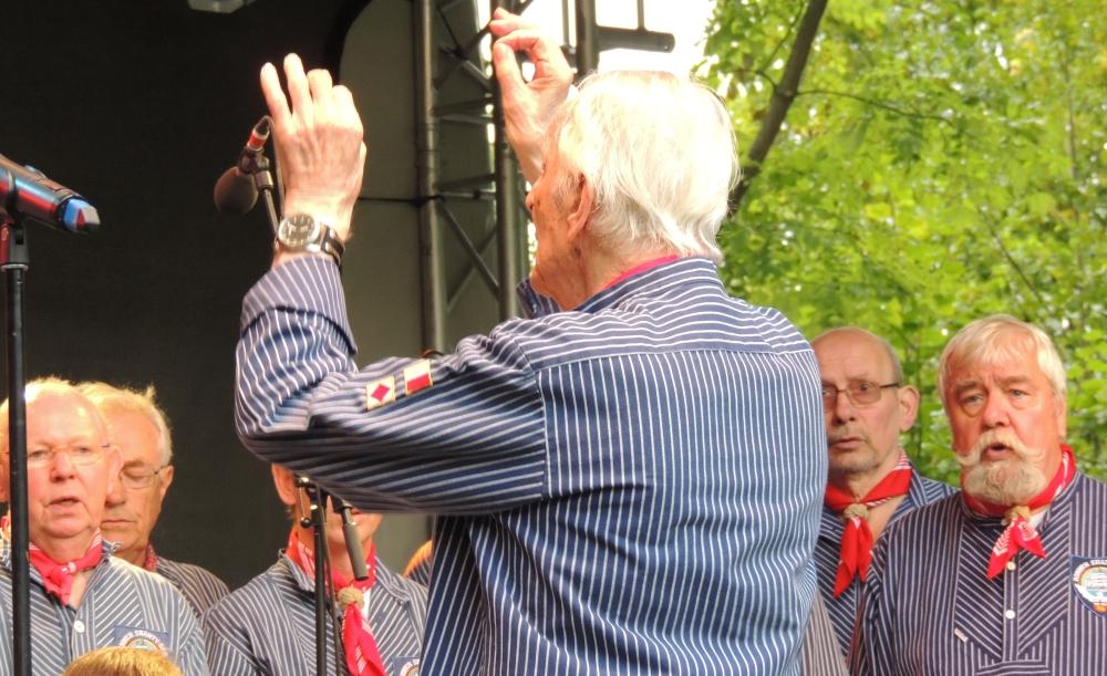 2014: Heiko Fenn dirigiert (Foto: Achim Haupt)