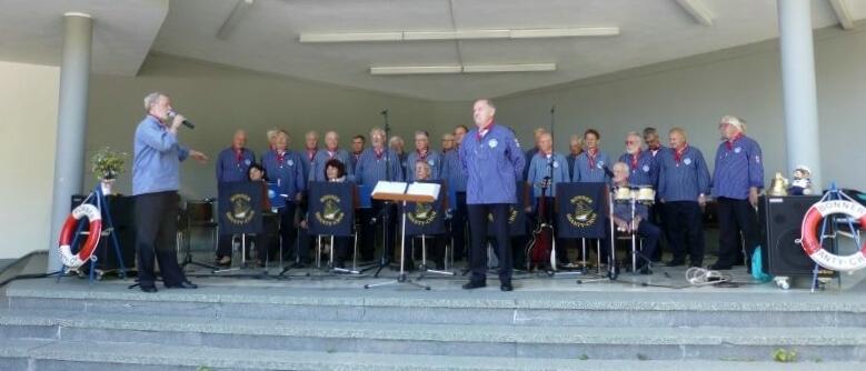 2012: BONNER SHANTY-CHOR in der Konzertmuschel (Foto: Imke Weiler)