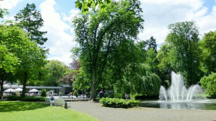 2012: Stadtpark mit Stadthallen-Terrasse (Foto: Imke Weiler)