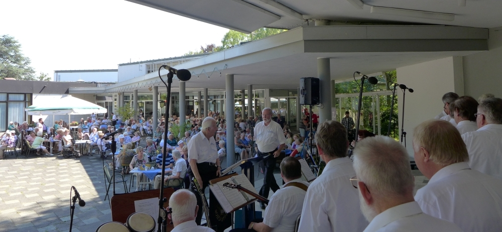 August 2015: Blick ins Publikum (Foto: Manfred Weiler)