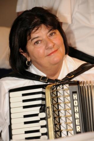 2013: Am Akkordeon: Ingrid Krayer (Foto: Şahap)
