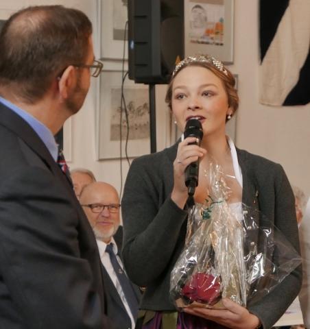 2018: Gratulation von der Weinkönigin (Foto: Imke Weiler)