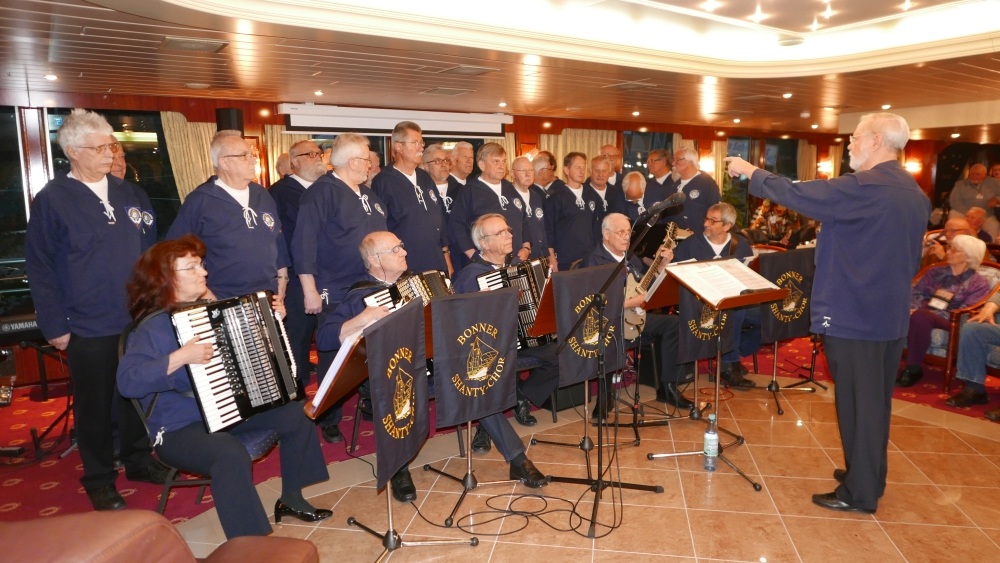 April 2017: BONNER SHANTY-CHOR an Bord der MS River Harmony (Foto: Manfred Weiler)