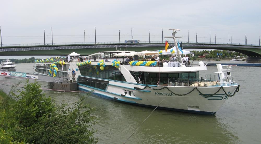 2015: MS Anesha am Bonner Rheinufer (Foto: Ursula Ackermann)