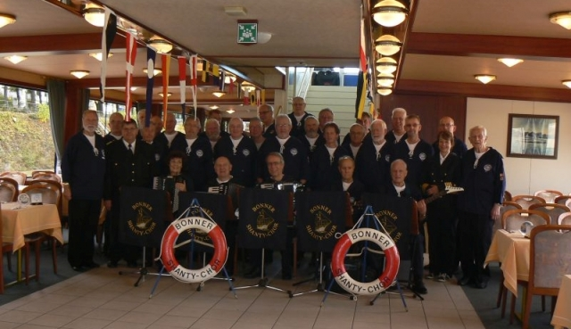 2012: BONNER SHANTY-CHOR an Bord der MS Poseidon (Foto: Imke Weiler)
