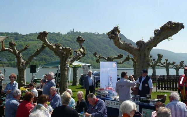 2010: Festgelände am Rhein (Foto: Imke Weiler)