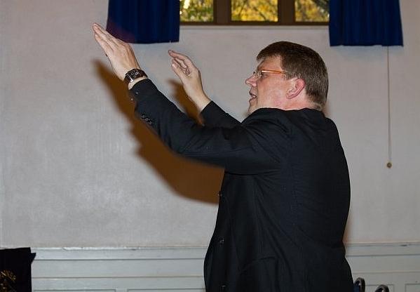 2016: Mandolinen-Dirigent Jürgen Nehr (Foto: Mandolinen-Verein)