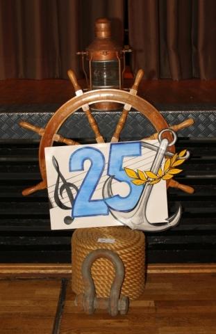 2012: Symbolisch: 25 Jahre BONNER SHANTY-CHOR (Foto: BSC)