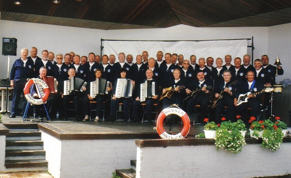 2004: BONNER SHANTY-CHOR in der Konzertmuschel Bad Breisig (Foto: privat)