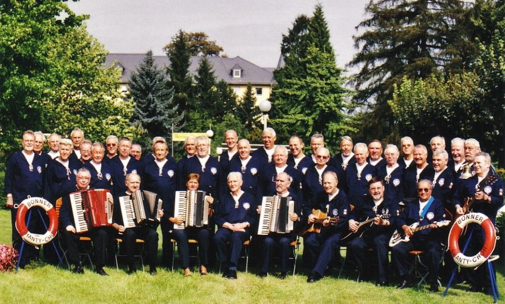 2004: BONNER SHANTY-CHOR im Kurpark Bad Breisig (Foto: privat)