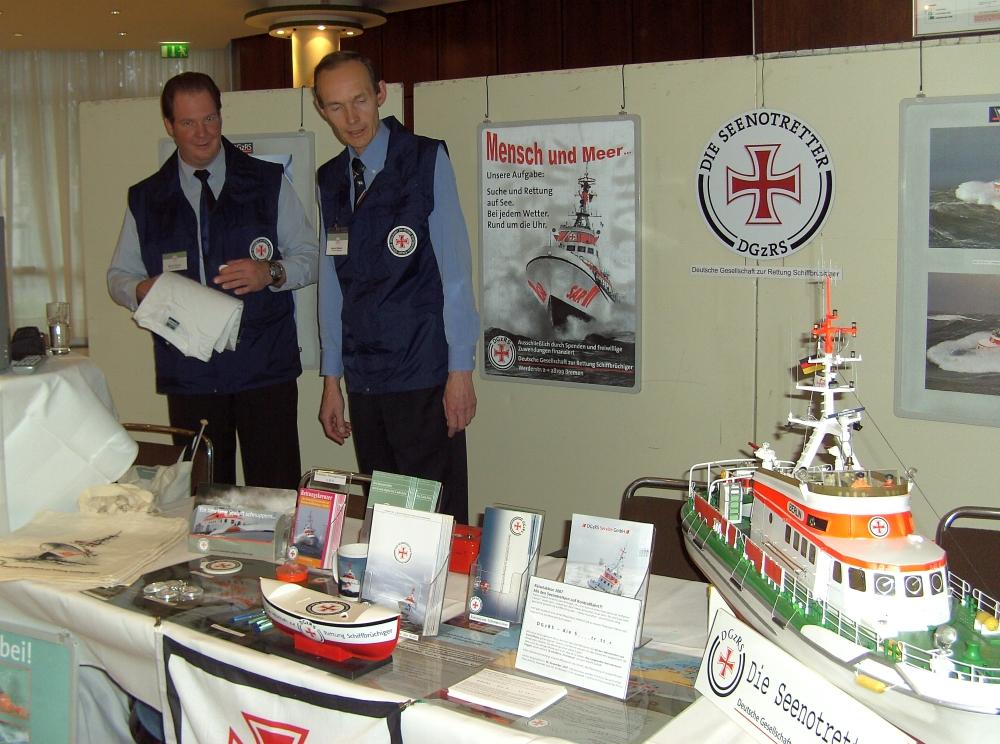 2007: Informationsstand der DHzRS (Foto: Manfred Weiler)