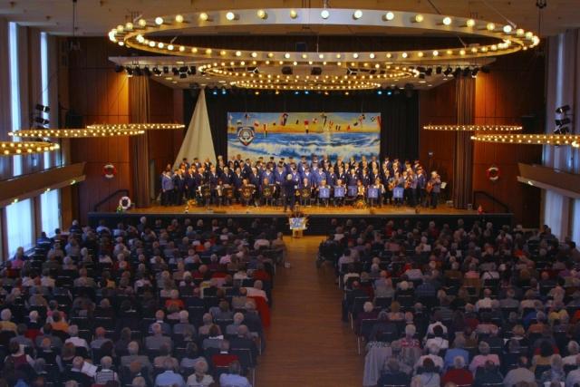 2012: Beide Chöre in der Stadthalle (Foto: BSC)