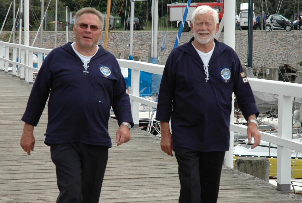 2006: Frank und Gerd, Sänger im BONNER SHANTY-CHOR (Foto: Behrens)