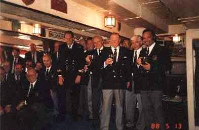 "1988: Umtrunk in der Offiziersmesse der ""HMS Victory"", Portsmouth (Foto: privat)"