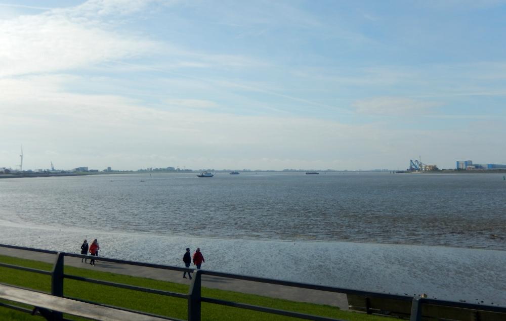 2018: Blick auf die Weser (Foto: Wilfried Bennerscheidt)