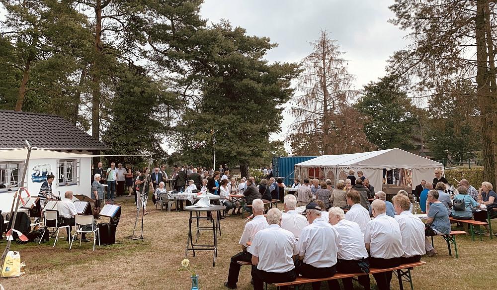 2019: Sommerfest der MK, Blick ins Gelände (Foto: Manfred Weiler)