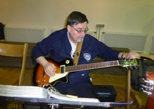 2013: Gitarrist Dieter Stark (Foto: Imke Weiler)
