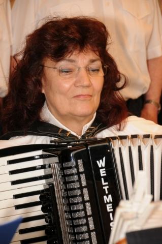 2013: Am Akkordeon: Heidrun Schulz (Foto: Şahap)