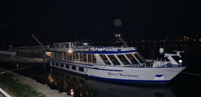 April 2017: MS River Harmony am Bonner Rheinufer (Foto: Manfred Weiler)