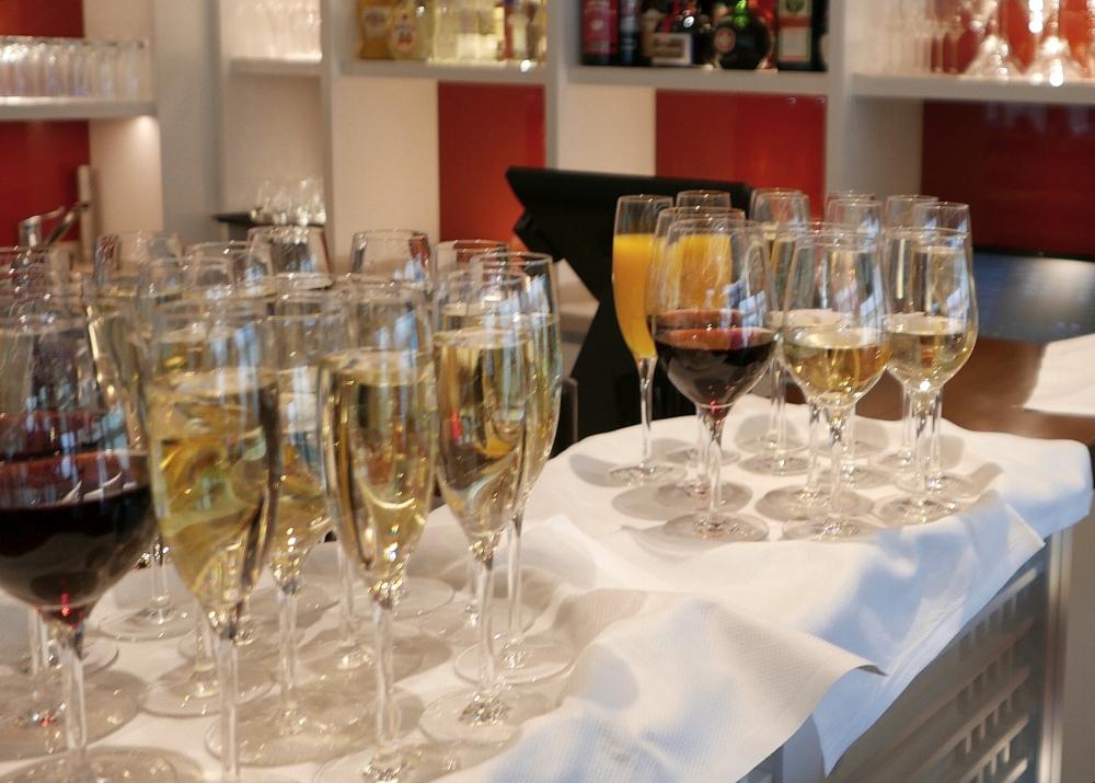 2018: Kühle Getränke für die Gäste (Foto: Manfred Weiler)