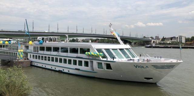 2019: MS Viola vor der Bonner Kennedybrücke (Foto: Imke Weiler)