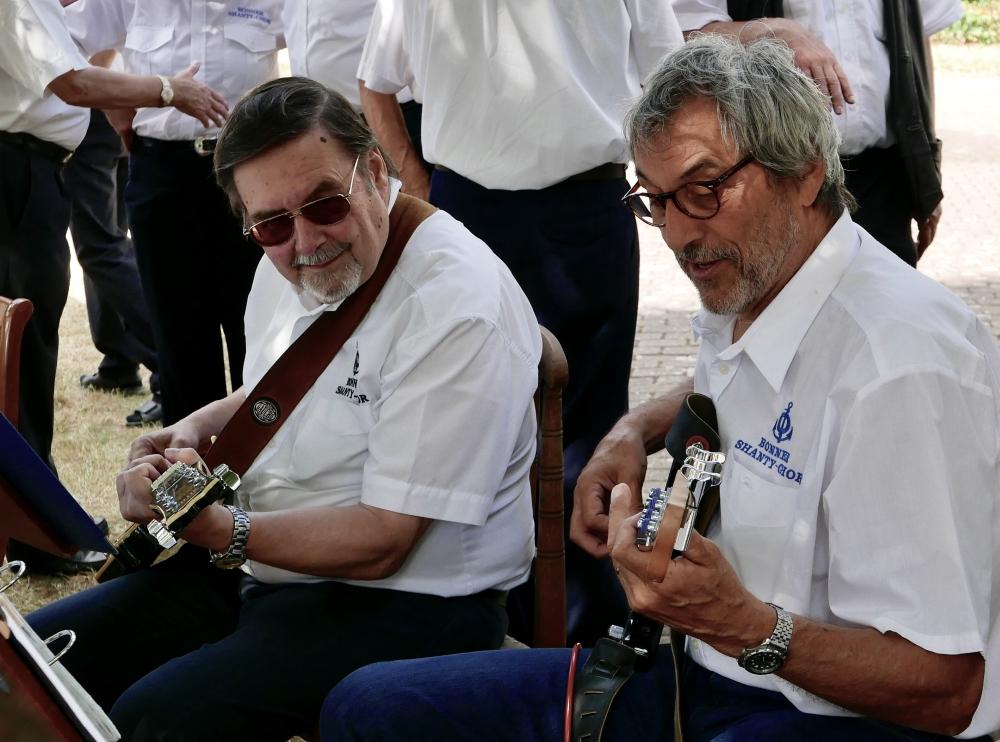 Unsere Gitarristen: Dieter Stark und Christian Metzner (Foto: Imke Weiler)