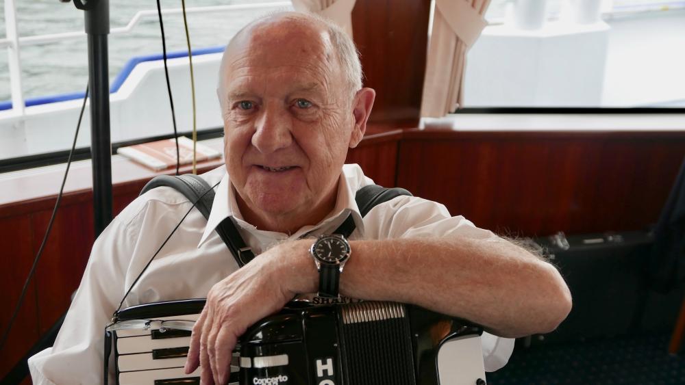 2018: Heinz Schreiber am Akkordeon (Foto: Manfred Weiler)