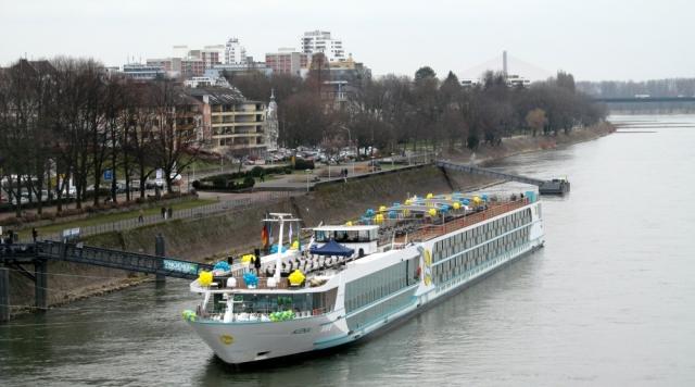 2018: Schiffstaufe MS Alena, Bonn (Foto: Peter Reichelt)