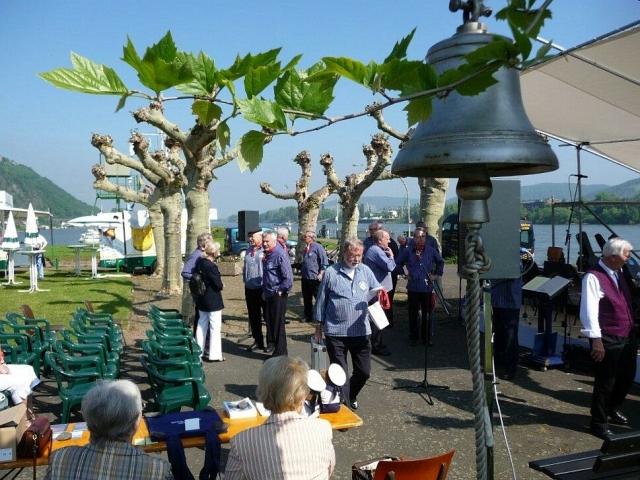2010: Festgelände am Rheinufer (Foto: Imke Weiler)