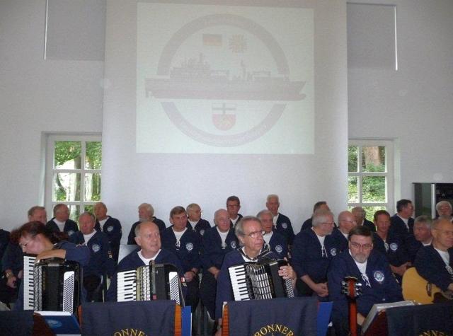 2010: BONNER SHANTY-CHOR bei der Gründungsveranstaltung des Freundeskreises EGV (Einsatzgruppenversorger) Bonn (Foto: Manfred Weiler)