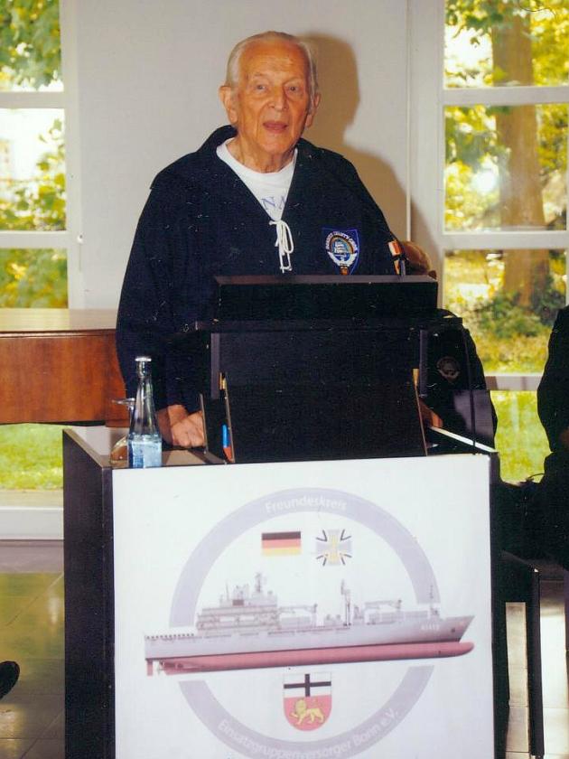 2010: Begrüßungsworte unseres Chorleiters Heiko Fenn (Foto: Hans-Joachim Heldt)