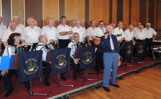 """2013: Der Jubilar mit """"seinem"""" Chor (Foto: Achim Haupt)"""