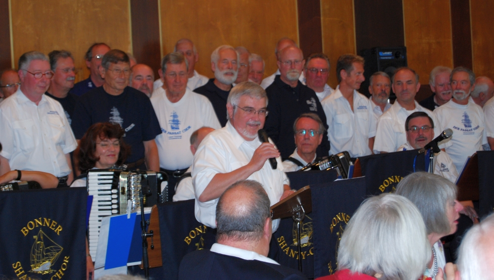 2008: Das Geburtstagsgeschenk des BONNER SHANTY-CHORES wird angekündigt (Foto: Achim Haupt)